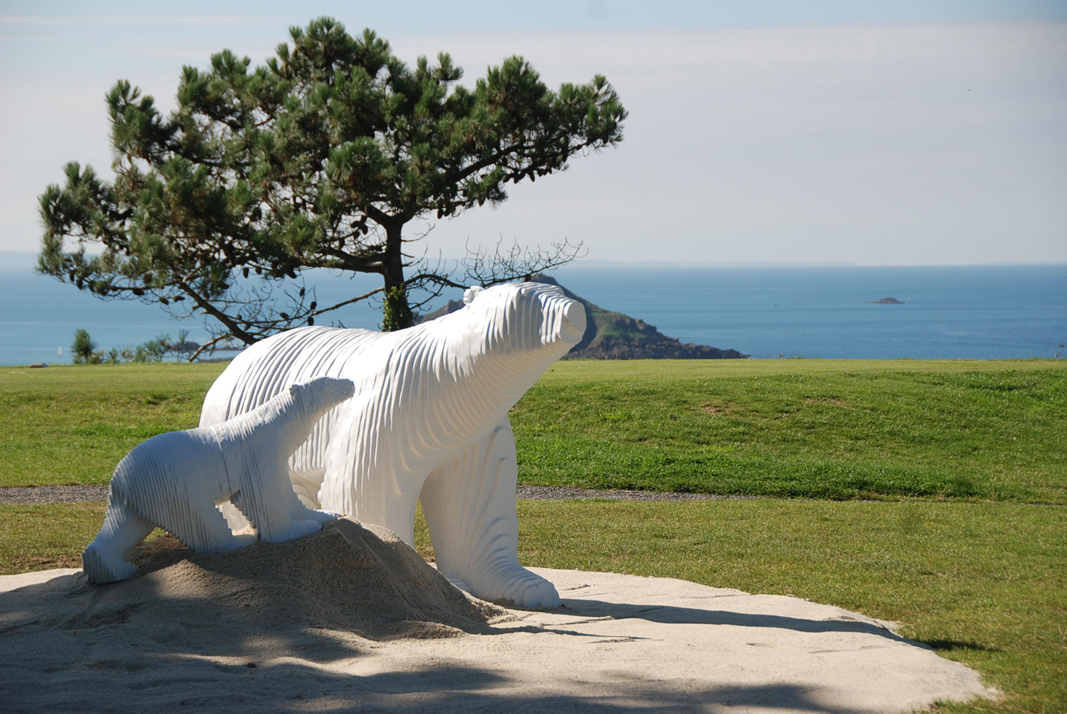 Rendez-vous au Golf de Lancieux : Vente aux enchères estivale de sculptures contemporaines
